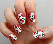 Wiśniowe paznokcie