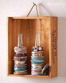 pomysł na przechowywanie bransoletek :)
