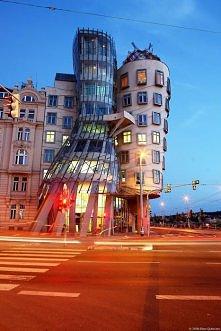 Tańczący dom, Praga