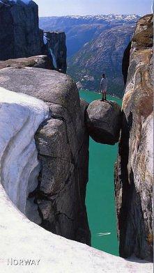 Świat u stóp, Kjeragbolten, Norway.