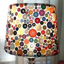 Guzikowa lampka.