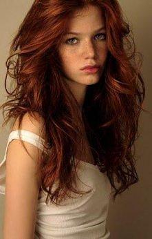 rude włosy i piegi! prześliczność!!!