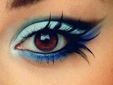 niebieski makijaż / rzęsy pióra