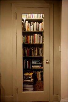 książki za drzwiami