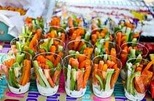 zdrowa przekąska- warzywa z sosem czosnkowym