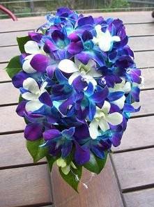 Niebieskie bukiety ślubne