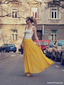 Żółta maxi na słoneczny dzień.