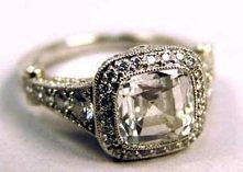 idealny pierścionek zaręczy...