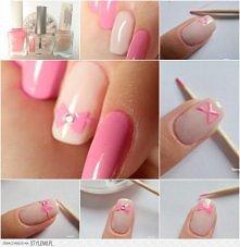 różowa kokardka ;)