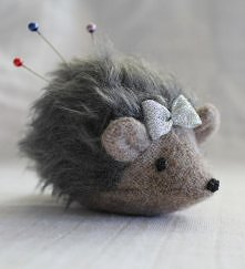 myszka na szpilki i igły