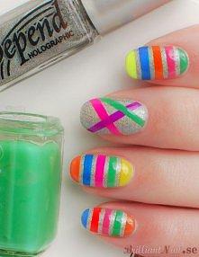 kolorowy manicure