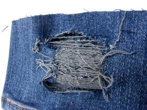 jak zrobić dziury w dżinsach. kliknij na zdjęcie ;) na