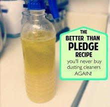 naturalny plyn do czyszczenia mebli -polacz rowne czesci oliwy z oliwek i soku z cytryny ,przelej to do butelki ze spreyem i gotowe :)