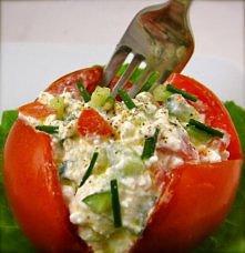 pomidor + serek wiejski, ogórek, zielona cebulka i pieprz