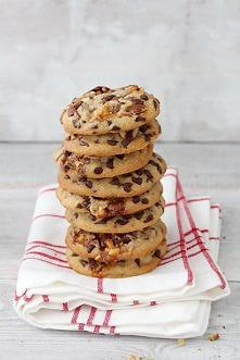 Ciastka ze Snickers'em  (Chewy Chocolate Chip Snickers Cookies)