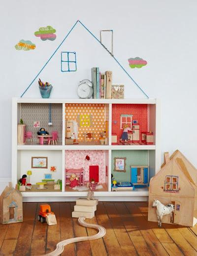 domek dla lalek z regału