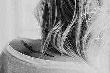 napis - tatuaż