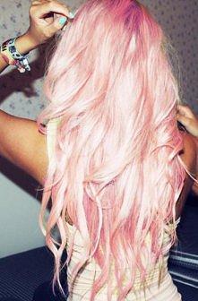 pink włosy