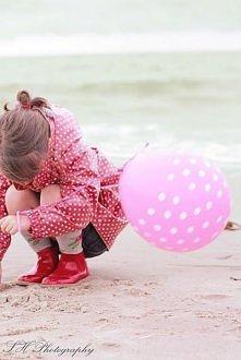 Bo czasem trzeba się uśmiechnąć. Tak mimo wszystko, spróbować na nowo żyć. Przestać żyć w klatce zbudowanej z mieszanki wspomnień i niespełnionych marzeń. Dać z siebie wszystko....