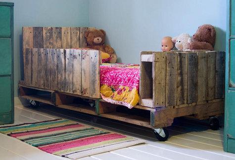 Łóżko dla dziecka - z palet RECYCLING !!!! na Pomysły - Zszywka.pl