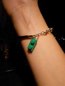 bransoletka z elementem Lego:D