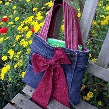 torebka ze spodni jeansowych z kokardą