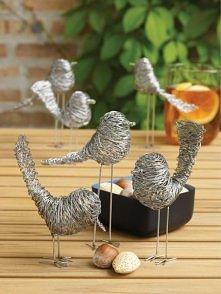 Ptaszki z drutu.