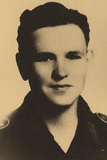 Otto Schimek, 19-letni Austriak służący w Wehrmachcie. Zginął, bo nie chciał strzelać do niewinnych Polaków.