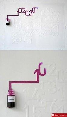 Kalendarz w którym atrament koloruje każdy kolejny upływający dzień
