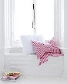 kokarda z poduszki.