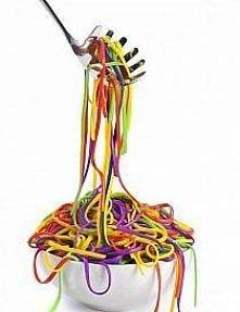 kolorowe spagetti