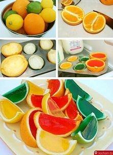 Galaretki w owocach.