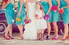 Kwiaty idealnie dobrane pod kolor butów, super!