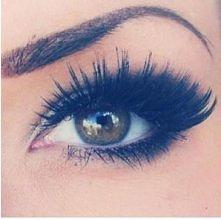 świetny makijaż ; )