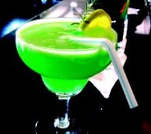 Dzielnicowy: whisky (50 ml) blue curaçao (50 ml) Sprite (50 ml) limonka lód