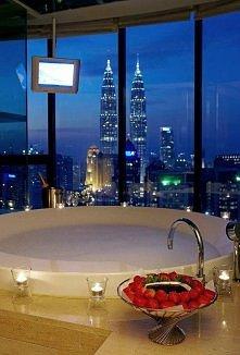 O, taki widok chciałbym mieć ze swojej łazienki ;)