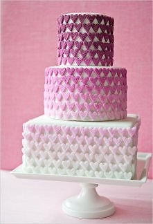 Tort nie zawsze musi być albo okrągły, albo prostokątny :)