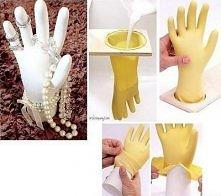 gipsowa ręka na biżuterię