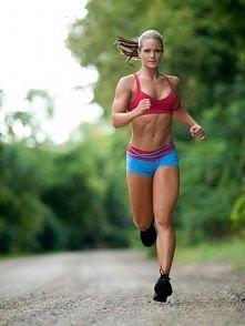 Tydzień 1:  Biegnij jedną minutę. Spacer 90 sekund. Powtórz 8 razy. Wykonywać trzy razy w tygodniu.   Tydzień 2: Bieg dwie minuty. Spacer minutę. Powtórz 7razy. Wykonywać trzy r...