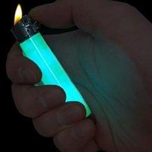 Zapalniczka świecąca w ciemnościach