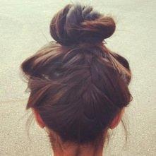 Hair inspiration / (via them girls in vogue)