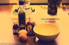 Domowa maska na włosy:) Wystarczy wymieszać żółtko i olej rycynowy, wmasować ...