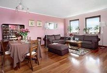 różowy w salonie