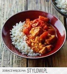 KURCZAK CURRY ZE ŚWIEŻYMI POMIDORAMI  Składniki, 4 porcje:  • 500 g piersi indyka lub kurczaka • 1 kukurydza lub 3/4 szklanki odsączonej kukurydzy z puszki • 2 świeże pomidory •...