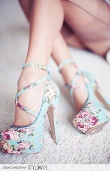 niebieskie w kwiatki ;)