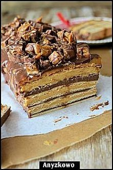 Snickers - bez pieczenia   kładniki masa : 1 szklanka mąki kukurydzianej, 1 s...