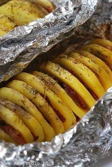 ziemniaki z boczkiem i cebulą