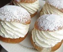 Ciastka Wielkanocne - z kremem  Składniki (około 10 sztuk): Ciasto: 25 g drożdży 75 g margaryny pół szklanki mleka 2 jajka szczypta soli łyżeczka kardamonu pół szklanki cukru sz...