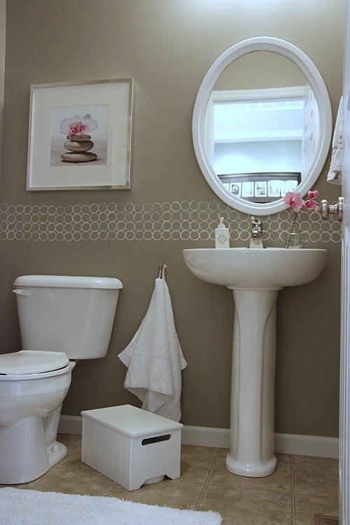 wzorek na cian zrobiony za pomoc rolek na sztuka z rolek po papierze toaletowym. Black Bedroom Furniture Sets. Home Design Ideas