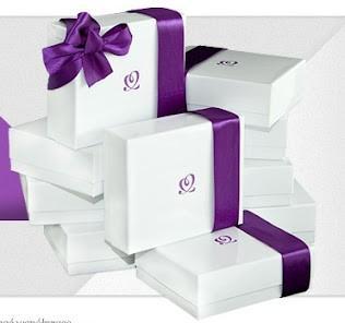 odbierz darmowe pudełko kosmetyków znanych firm. Shinybox! wystarczy się zarejestrować.;)